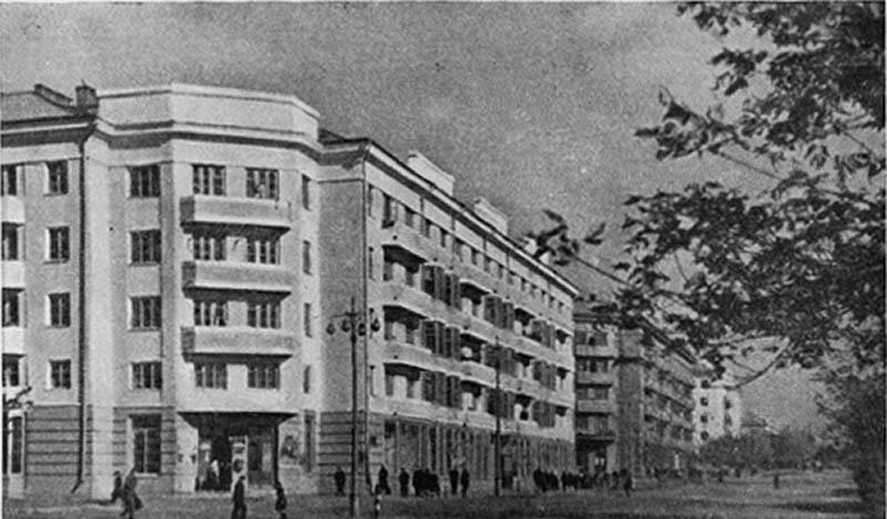 Жилой дом Челябинского тракторного завода (ЧТЗ) на улице Спартака. 1935 г.