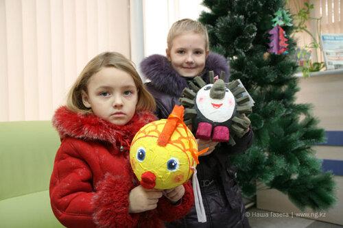 Ежика-Пыха и рыбку-Настю сестры Вика и Анастасия Соколовы сделали из воздушных шариков