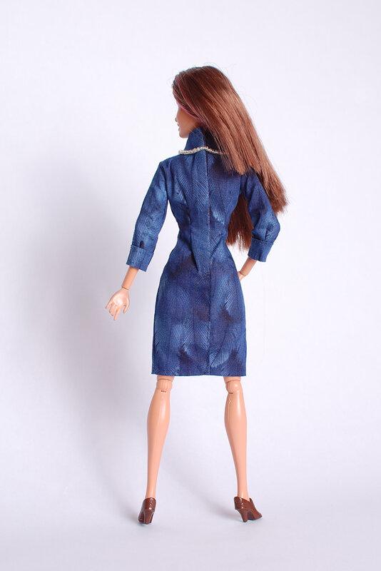 Платье с манжетами
