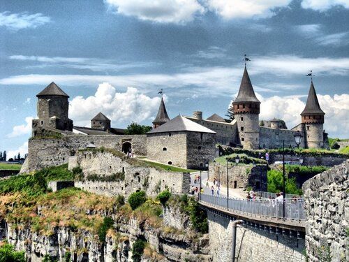 Крепость на скале.Фото Kuzaza на Яндекс.Фотках