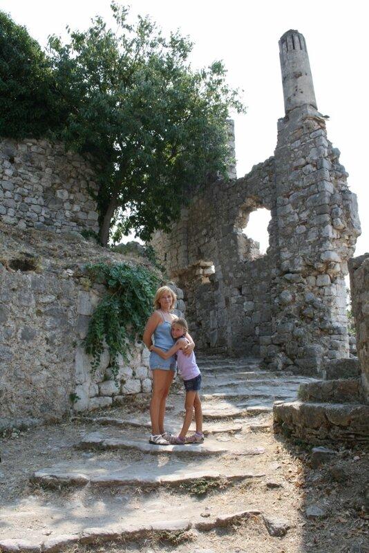 С дочкой в Старом Баре
