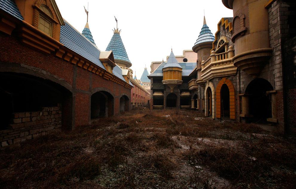 Заброшенный парк «Страна чудес»