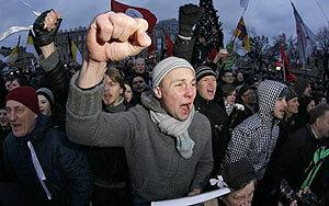 """Владелец завода """"Радиоприбор"""" из Владивостока сейчас в бегах с 700 млн рублей в США"""