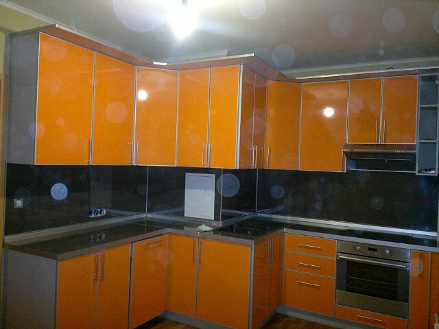 Дизайн кухни с коробами фото