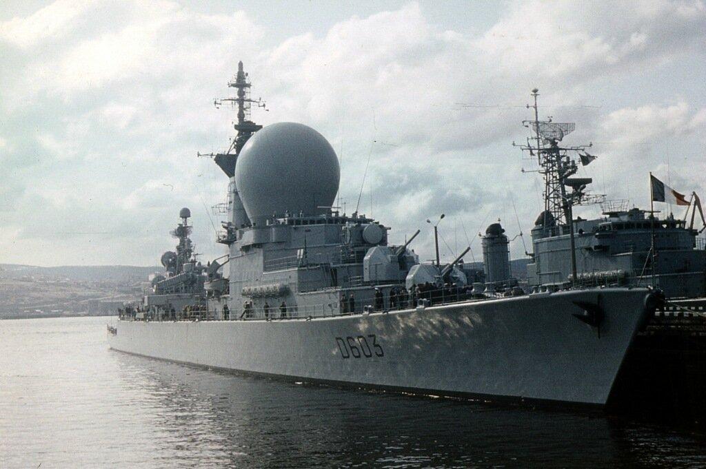 Французский фрегат.