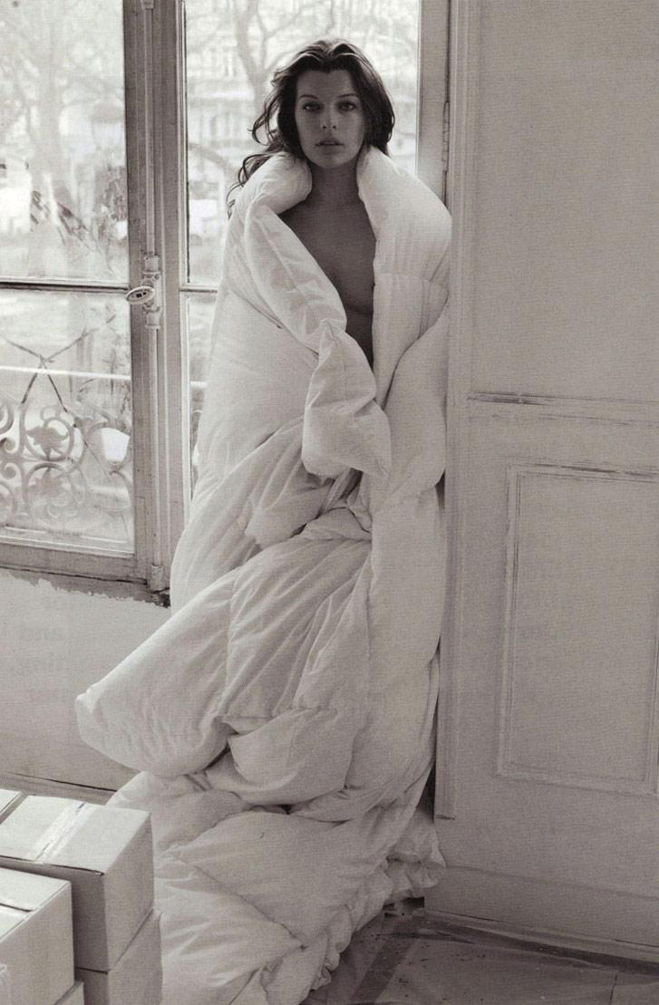 Milla Jovovich / голая Милла Йовович, фотограф Mario Sorrenti в журнале Purple Fashion, осень-зима 2009