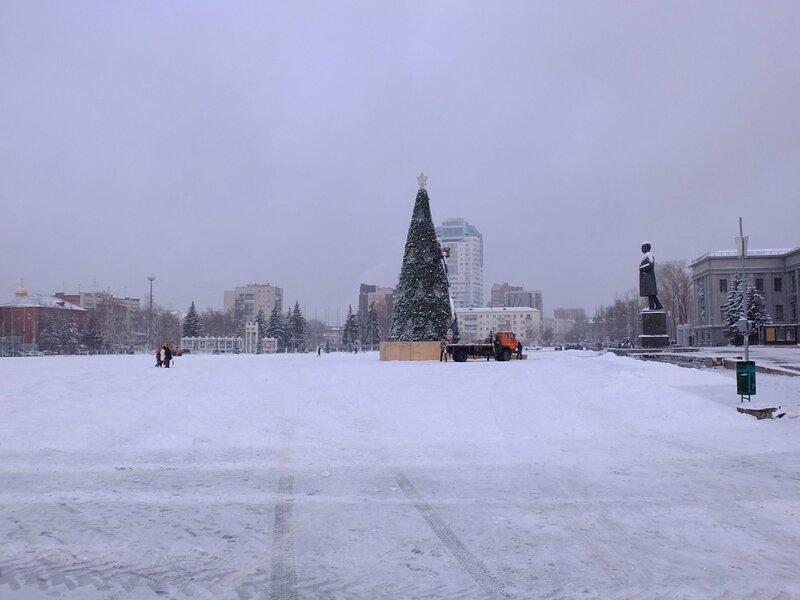 Елка на площади и наша набережная 186.JPG
