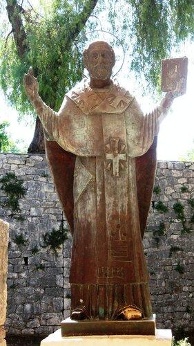 Памятник Святителю Николаю (св.Николай Чудотворец)