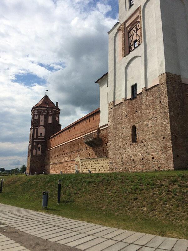 Путешествие в Беларусь — 2015. Часть 6. Мир
