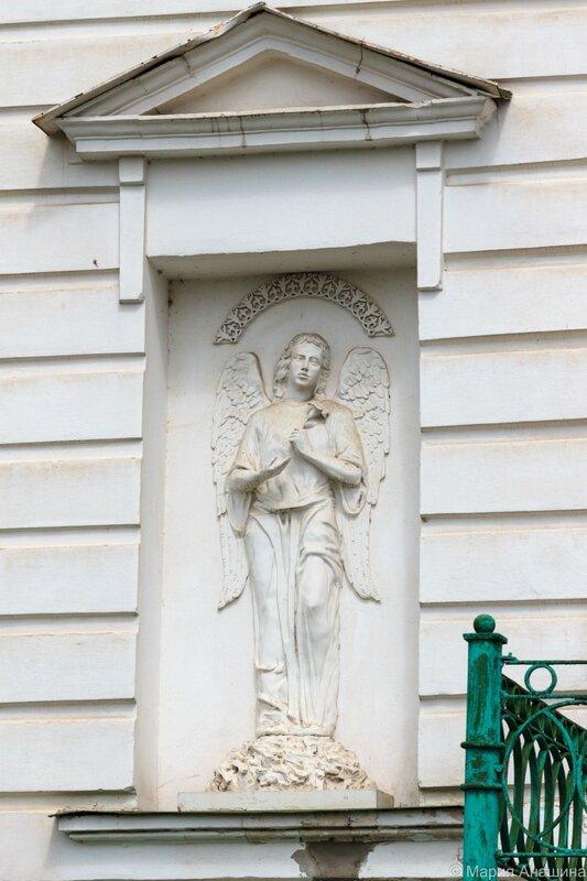 Архангел, Церковь Воскресения Христова (Трёх исповедников), что за Волгой, Тверь