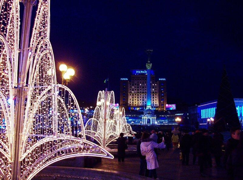 Аллея фонтанов зимой