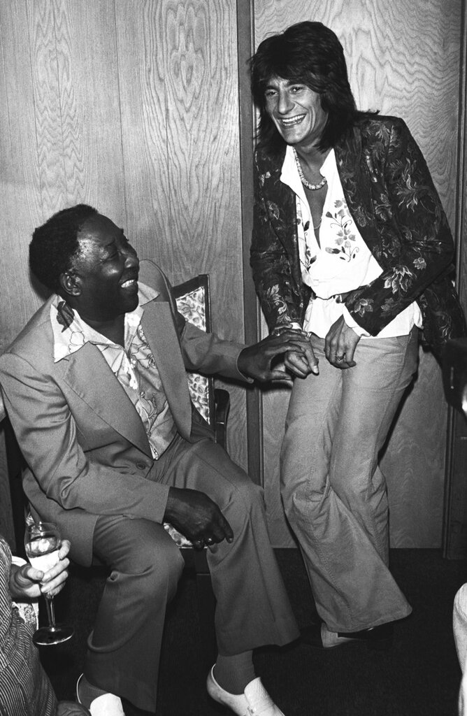 Muddy Waters with Ron Wood backstage at The Roxy 1978