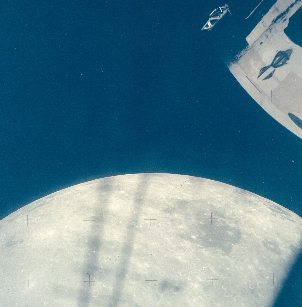 Экипаж покидает Луну, чтобы вернуться на Землю
