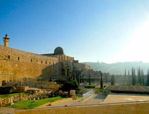 Израиль.Иерусалим.  Раннее утро на Земле обетованной.