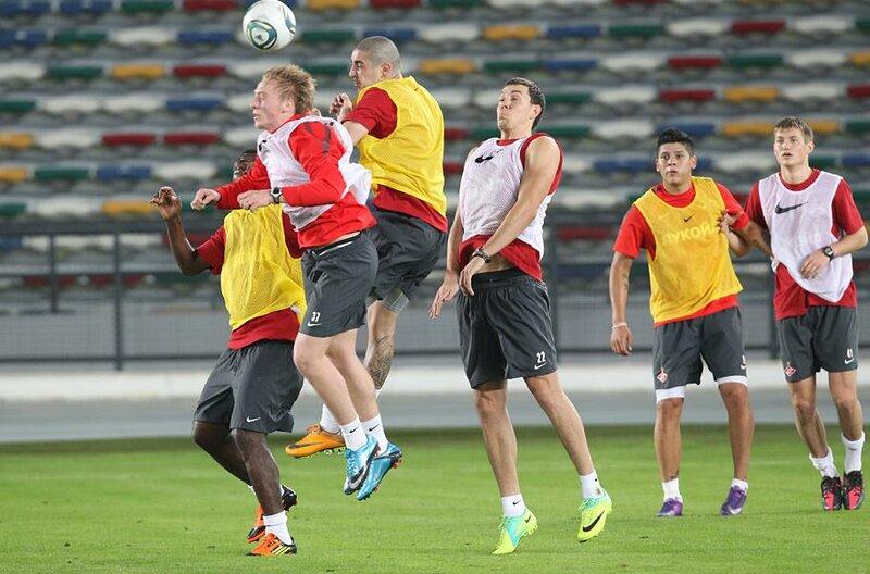Первая тренировка «Спартака» в Эмиратах (Фото)