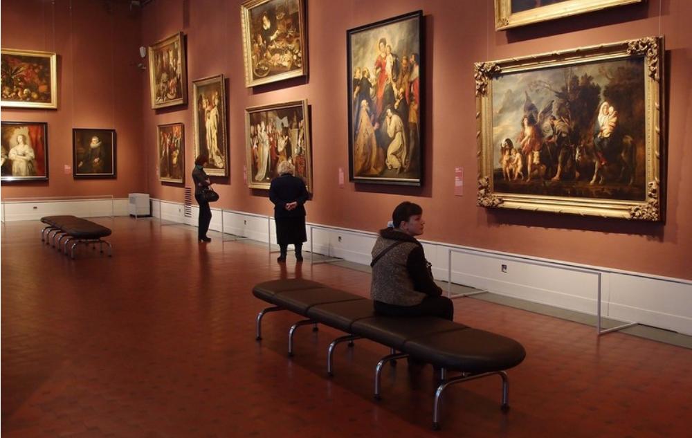 Экспозиция картин фламандских живописцев 17-го века – Рубенса, Йорданса, Ван Дейка, Брейгеля.