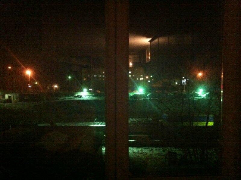 АМЗ. За окном и в окне