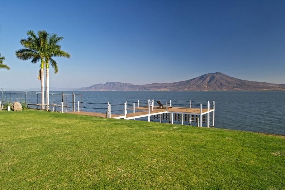 Изумительный вид на озеро Чапала в Мексике