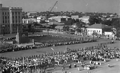 Белгород, площадь Революции, 1957, начало строительства здания АПК, фото Сафарьянц