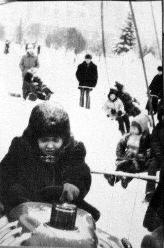 аттракционы у ёлки в 1980-х, Белгород, фото из коллекции Sanchess