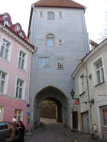 Надвратная башня