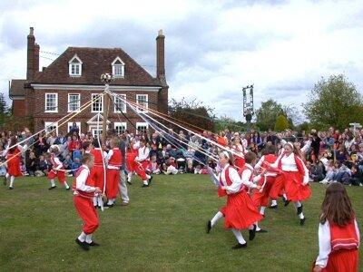 10 странных британских традиций