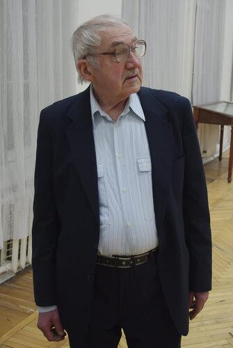 Художник Компус Александр Иванович