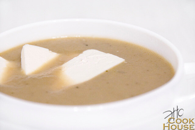 Суп пюре из запеченных баклажанов и томатов с фетой