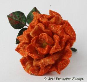 Когда с помощью мокрого или сухого валяния шерсти делают цветы, то в...