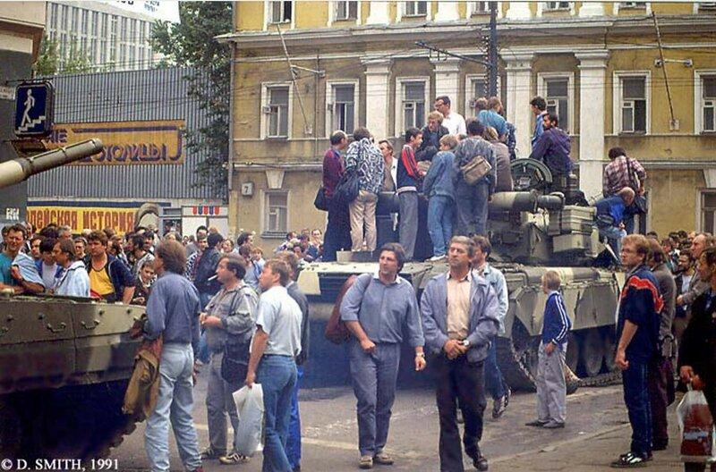Гражданские на танках