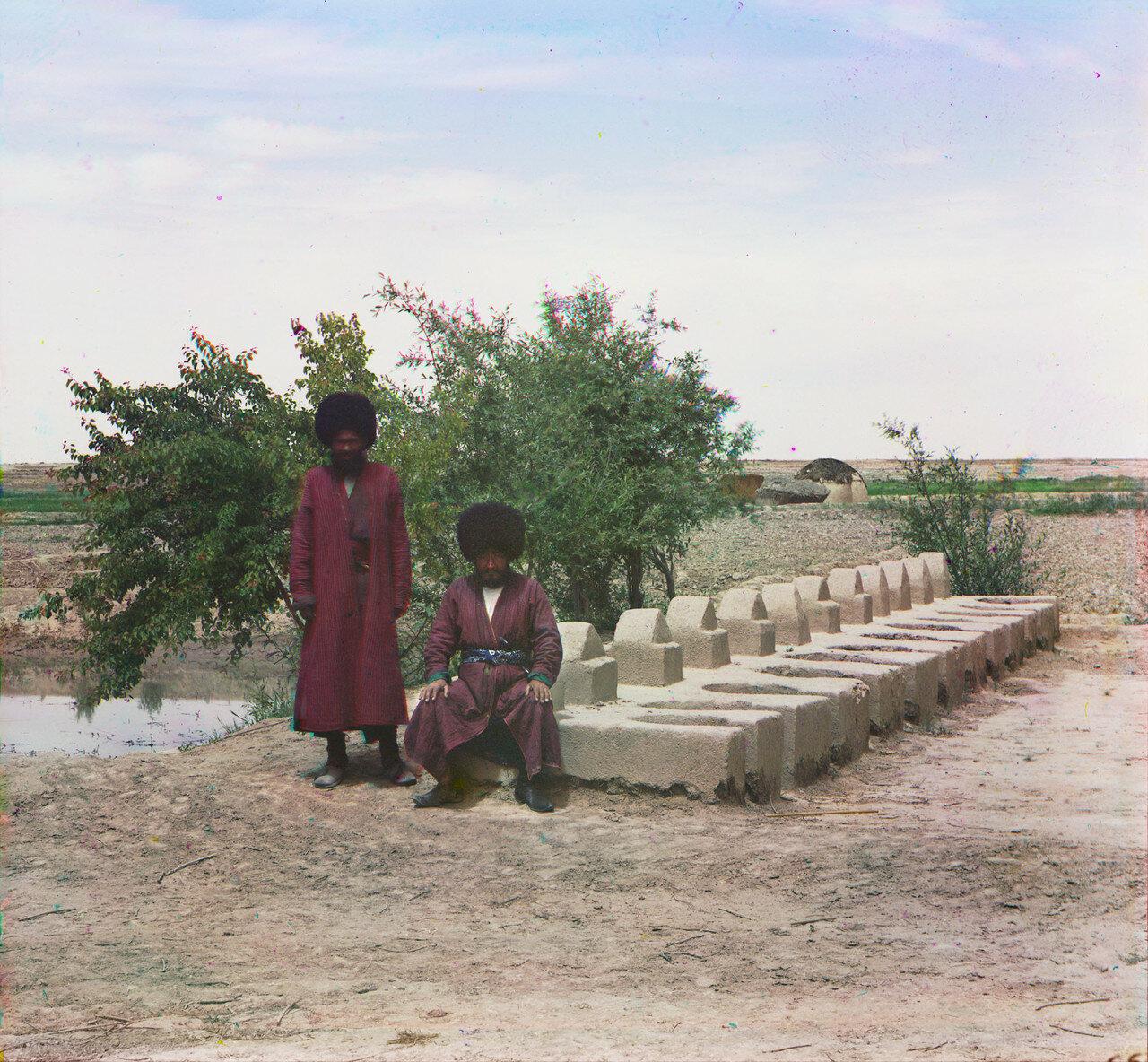 Окрестности Мерва. Близ Байрам-Али. Печи для плова