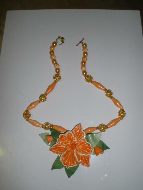 Бусы Оранжевая Орхидея Helika.