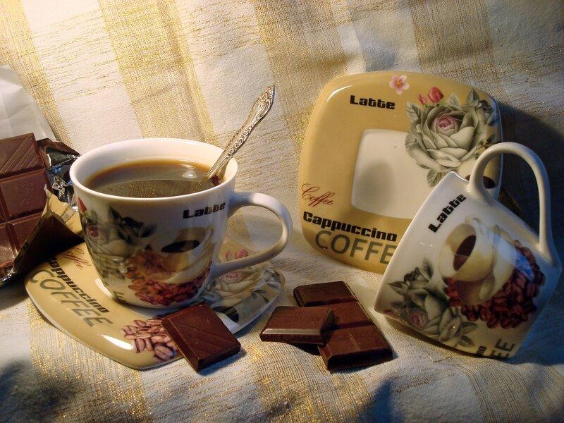 Шоколад,кусочек за кусочком...