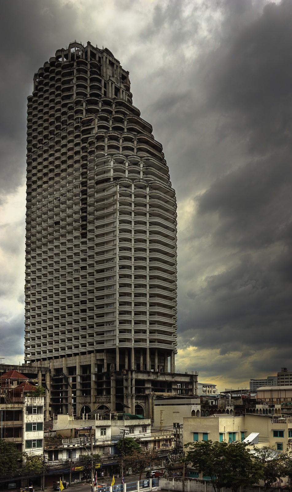 Самый высокий заброшенный небоскреб в мире