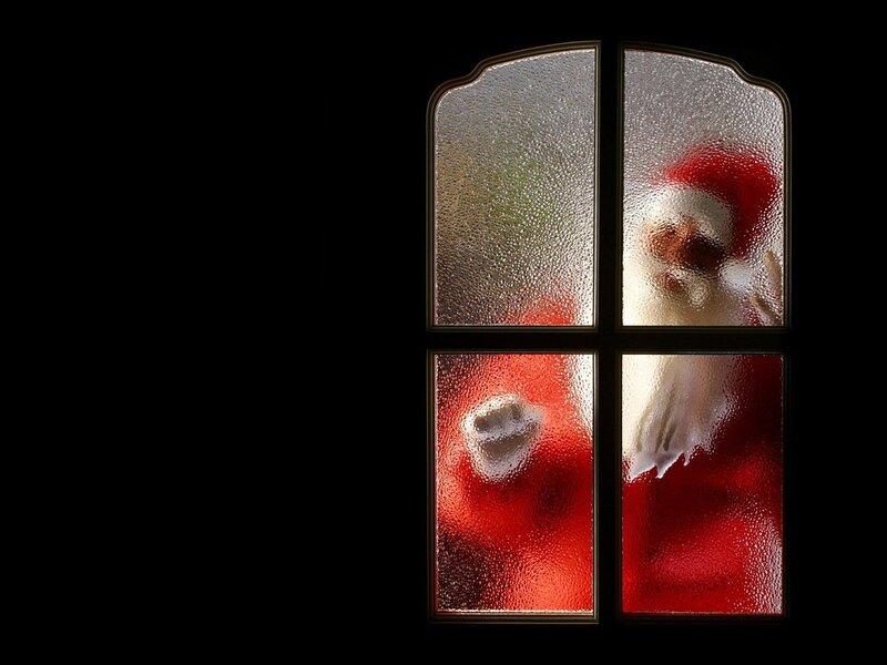 Тайный Санта стучится в двери.