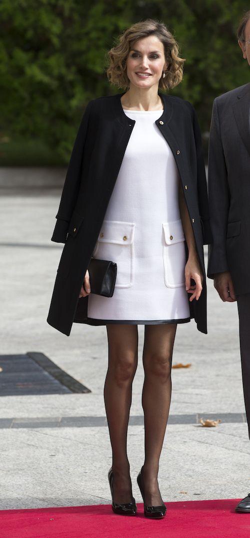 Платье и колготки королевы Испании стали предметом критики