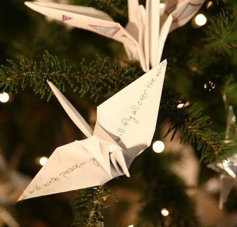 Ёлка с аистами в технике оригами