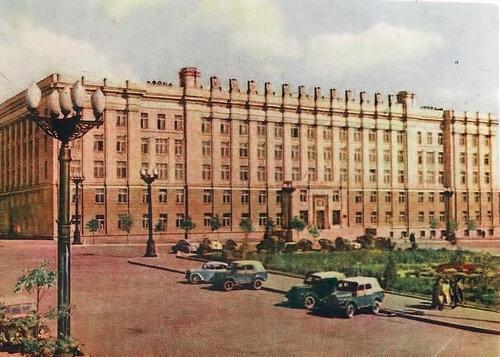 Здание областного совета, фото О.Сизова, 1962 г.
