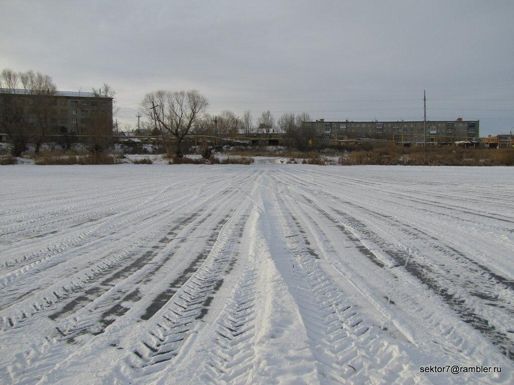 Снег на реке