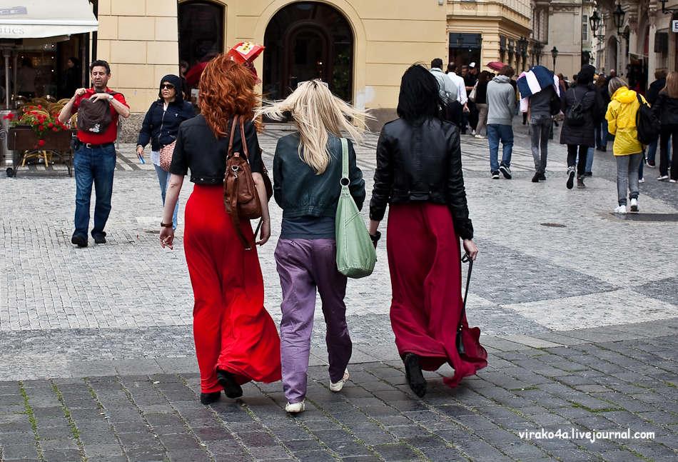Толпа турков и одна блондинка 5 фотография