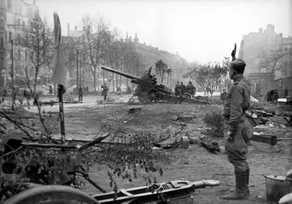 Падение Берлина на фотографиях весны 1945 года (2)