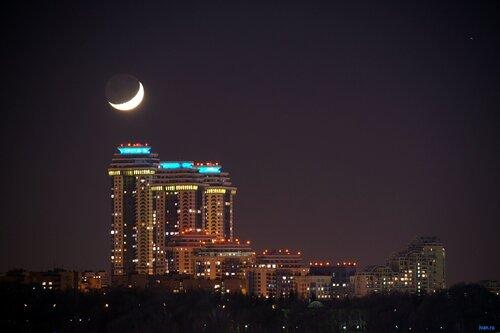 Новогодняя луна