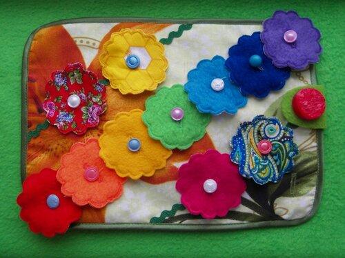 Развивающие коврики для малышей... цветы из ткани