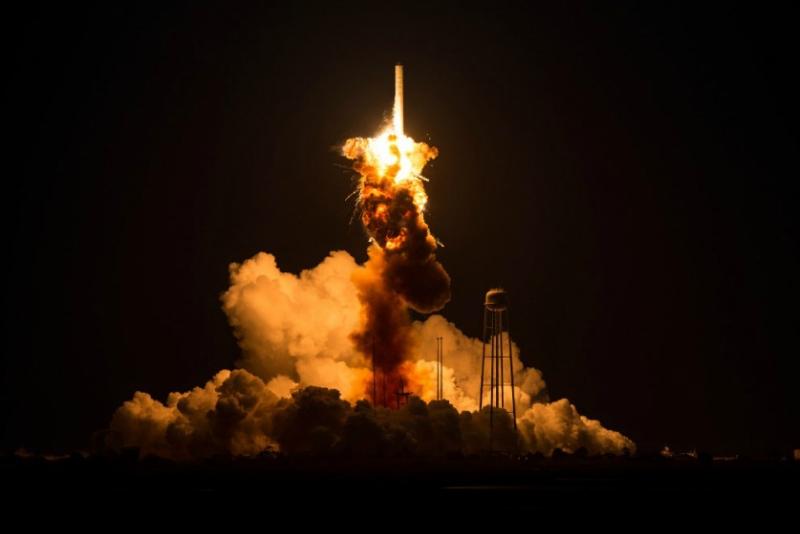 Ракета Antares.jpg