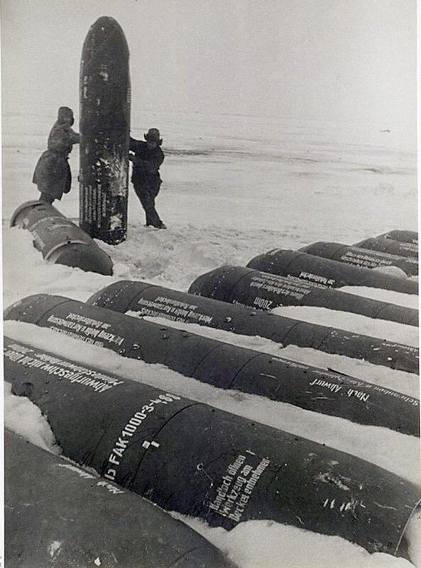 Фото С.Н. Струнникова: Немецкие паращютно-десантные баллоны.