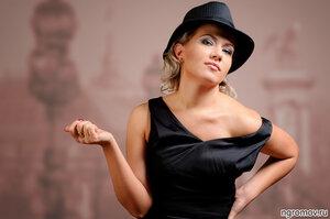 Девушка в шляпе (блондинка, шляпа)