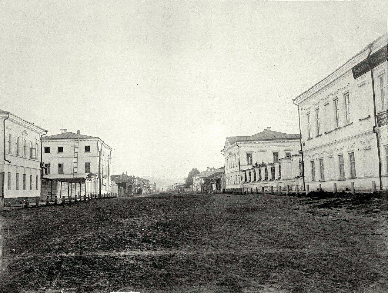 Перспектива улицы Воскресенской от Старобазарной площади в направлении на запад