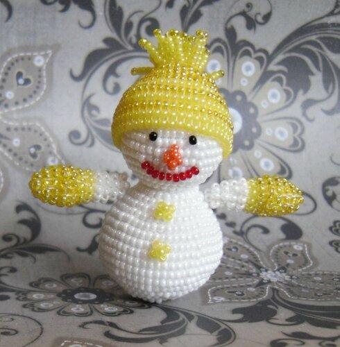 но шапочки снеговика и