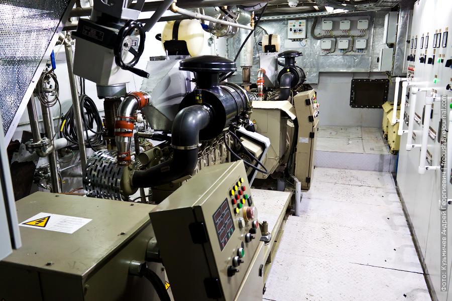 машинное отделение круизного судна «Сура»