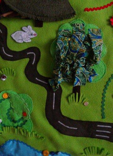 Большой развивающий коврик Моулвиль... бубенцовое дерево, куст с бусиной